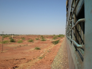 Zugfahren in die indische Wüste