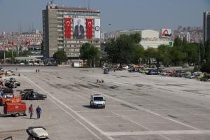 Le Mans unter den Augen Atatürks